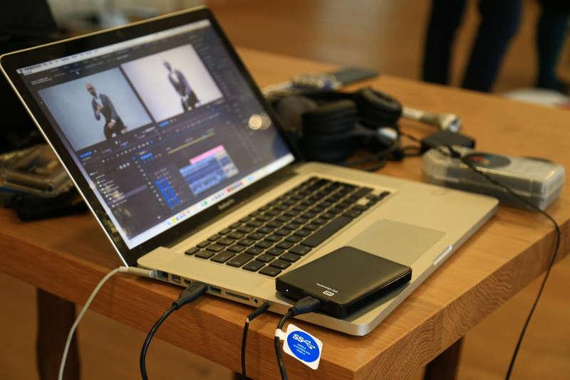 Laptop und sonstiges Equipment
